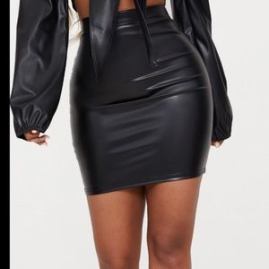 Prettylittlething Shape Black PU Bodycon Skirt